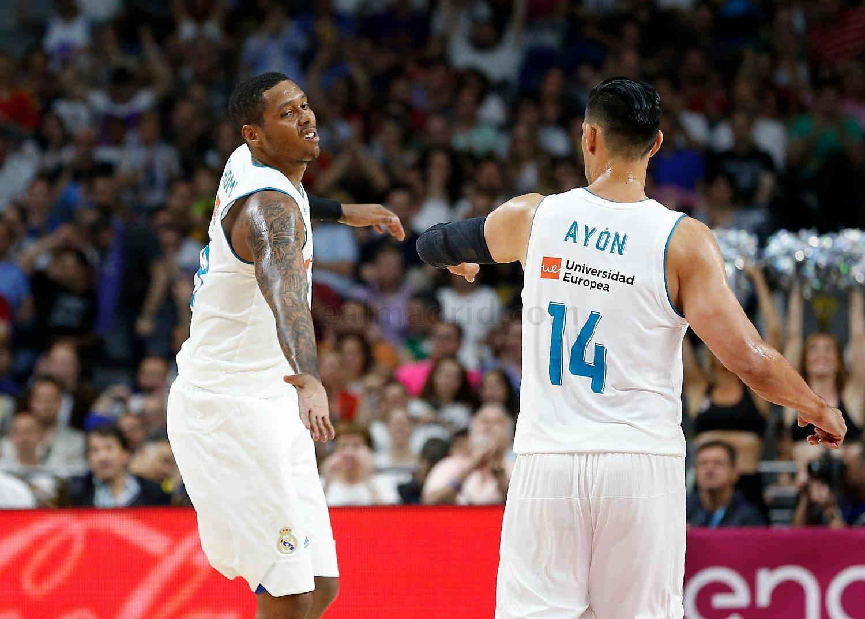 trey Thompkins y Gustavo Ayón en la final ACB