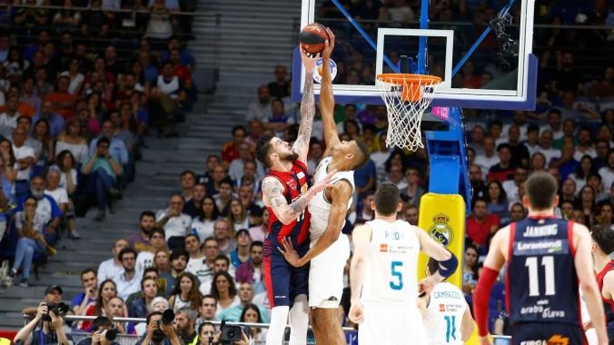 Tavares, tapón a Poirier final ACB