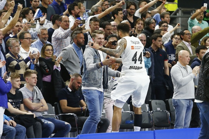 jeffery-taylor-celebrates-with-luca-doncic-real-madrid-eb18