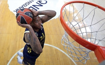 trey-thompkins-real-madrid-eb19 (1)
